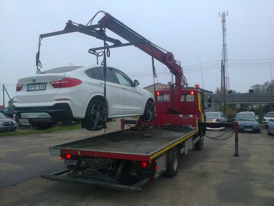 konfiskuotu-automobiliu-aukcionai